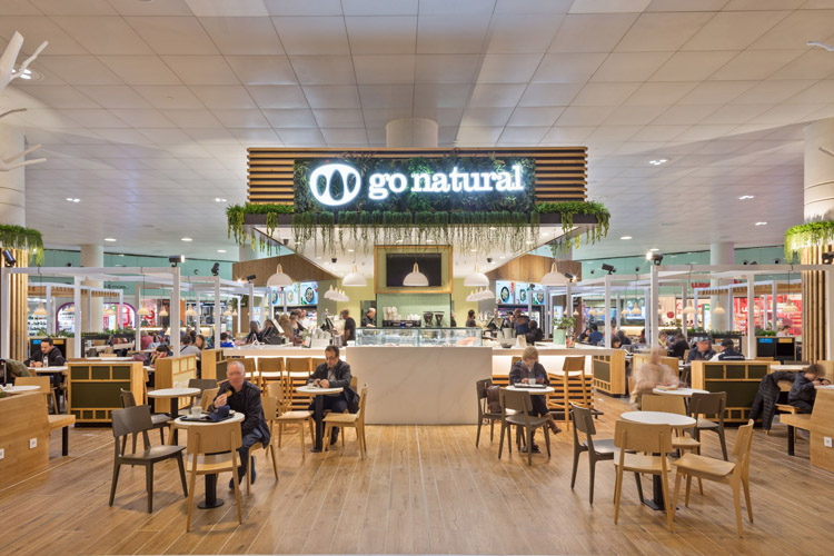 Local de Go Natural gestionado por Eat Out Group en el aeropuerto de Barcelona.
