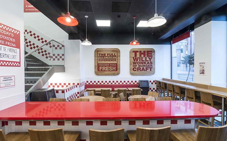 Five Guys abre su noveno restaurante en Madrid